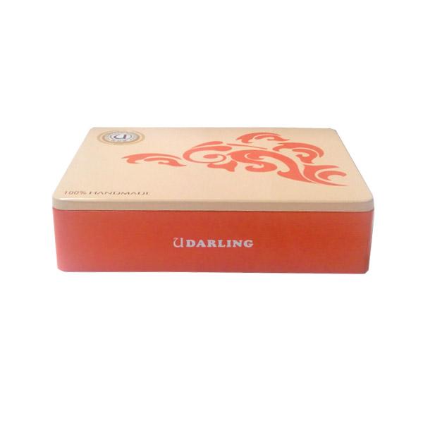 精致长方形盖子带雕刻阿胶铁盒